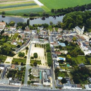 Vue aérienne Les Ormes - 1995